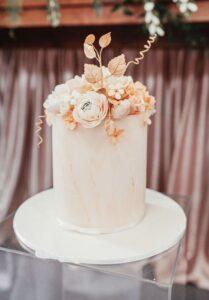 Unveil Elegance Events_ Single tier wedding cakes